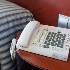 Olympia Hotel Events & Spa сейф в номере