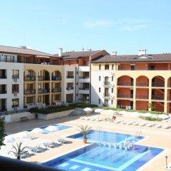 Отель Galeria Holiday Apartments Болгария, Аврен - отзывы, цены и фото номеров - забронировать отель Galeria Holiday Apartments онлайн бассейн фото 3