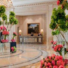 Отель Four Seasons George V Париж интерьер отеля фото 3