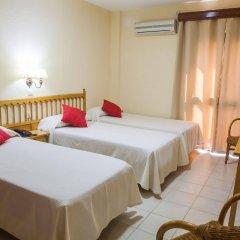 Отель Tres Jotas Испания, Кониль-де-ла-Фронтера - отзывы, цены и фото номеров - забронировать отель Tres Jotas онлайн комната для гостей фото 2