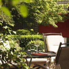 Radisson Blu Hotel Champs Elysées, Paris фото 2