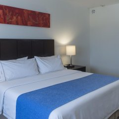 Отель Holiday Inn Express Guadalajara Iteso комната для гостей