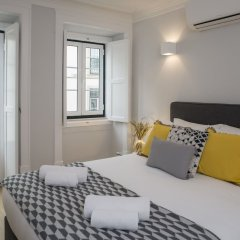 Апартаменты Designer Apartment in one of Lisbon's Trendiest Quarters комната для гостей фото 3