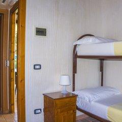 Отель Holiday Village Фонди сейф в номере