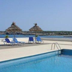 Отель Rocabella Испания, Форментера - отзывы, цены и фото номеров - забронировать отель Rocabella онлайн бассейн фото 2
