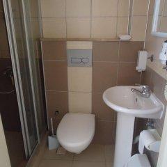 Bells Motel Турция, Урла - отзывы, цены и фото номеров - забронировать отель Bells Motel онлайн ванная фото 2