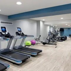 Отель Hilton Edinburgh Carlton фитнесс-зал фото 2