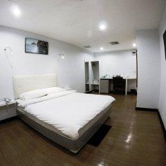 Отель Vplace Silom Бангкок комната для гостей фото 3