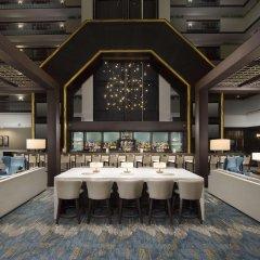 Отель Embassy Suites Columbus Колумбус гостиничный бар