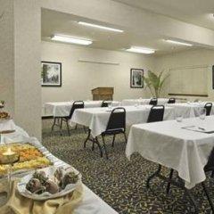 Отель Charter Inn and Suites фото 2