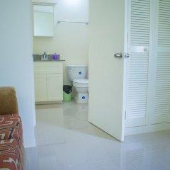 Отель Ocho Rios Getaway Villa at Draxhall в номере