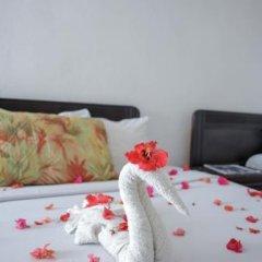 Отель Gloriana Hotel Ямайка, Монтего-Бей - отзывы, цены и фото номеров - забронировать отель Gloriana Hotel онлайн сейф в номере