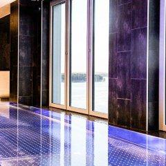 Clarion Hotel Sense бассейн
