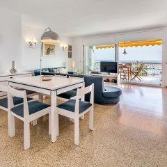 Отель Apartamento Vivalidays Es Blau Испания, Бланес - отзывы, цены и фото номеров - забронировать отель Apartamento Vivalidays Es Blau онлайн комната для гостей фото 4