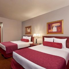 Отель Four Queens Hotel and Casino США, Лас-Вегас - отзывы, цены и фото номеров - забронировать отель Four Queens Hotel and Casino онлайн комната для гостей фото 3