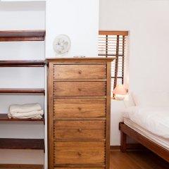Отель Spectacular 4 Bed Flat Close to London Eye сейф в номере