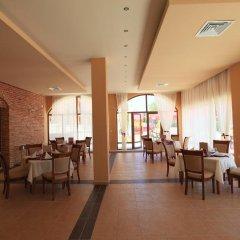 Отель Galeria Holiday Apartments Болгария, Аврен - отзывы, цены и фото номеров - забронировать отель Galeria Holiday Apartments онлайн питание фото 2