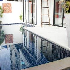 Отель By The Lake Villas балкон