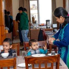 Отель Mukhum International Непал, Катманду - отзывы, цены и фото номеров - забронировать отель Mukhum International онлайн питание фото 2