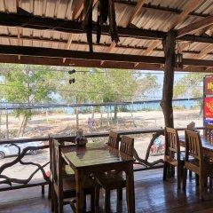 Отель Lanta Whiterock Resort Старая часть Ланты гостиничный бар