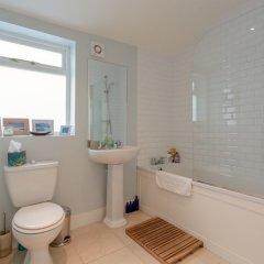 Отель Beautiful 1 Bedroom Flat in Stoke Newington ванная фото 2