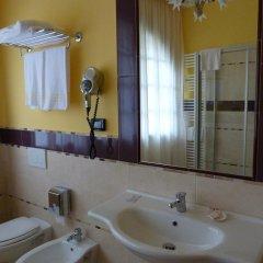 """Отель Ristorante """"Da Valerio"""" Италия, Читтадукале - отзывы, цены и фото номеров - забронировать отель Ristorante """"Da Valerio"""" онлайн ванная фото 2"""
