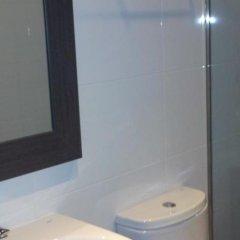 Отель Transit Испания, Барселона - 1 отзыв об отеле, цены и фото номеров - забронировать отель Transit онлайн ванная фото 2