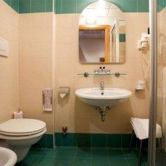 Отель Classic Tulipano Терни ванная фото 2