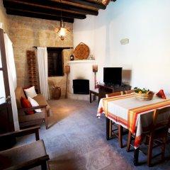 Отель Leonidas Village Houses развлечения