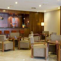 Отель NH Ciudad de Valencia гостиничный бар