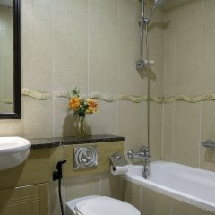 Отель One Perfect Stay - Goldcrest Views 1 ванная