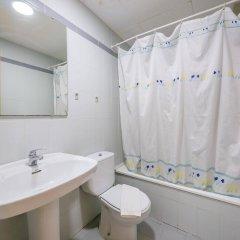 Отель Apartamentos AR Dalia Испания, Льорет-де-Мар - отзывы, цены и фото номеров - забронировать отель Apartamentos AR Dalia онлайн ванная фото 2