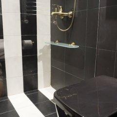 Апартаменты Exclusive Design Studio with Yard Афины ванная фото 2