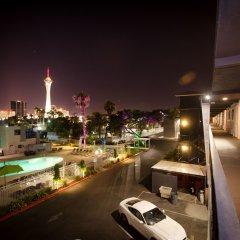 Thunderbird Hotel балкон