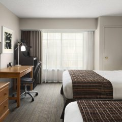 Отель Country Inn & Suites Columbus Airport комната для гостей фото 5