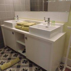 Отель B&B Maison Az Бельгия, Брюссель - отзывы, цены и фото номеров - забронировать отель B&B Maison Az онлайн ванная фото 2