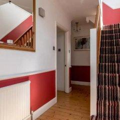 Отель 3 Bedroom House In Brighton With Garden Брайтон интерьер отеля