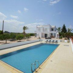 Отель Protaras Views Villa Кипр, Протарас - отзывы, цены и фото номеров - забронировать отель Protaras Views Villa онлайн бассейн фото 3