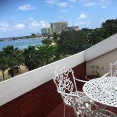 Отель SandCastles Deluxe Beach Resort балкон