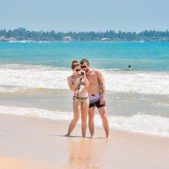 International Beach Hotel & Restaurant пляж