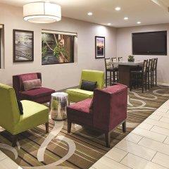 Отель La Quinta Inn & Suites San Diego SeaWorld/Zoo Area интерьер отеля