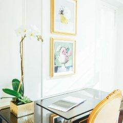 Отель The Plaza Hotel США, Нью-Йорк - отзывы, цены и фото номеров - забронировать отель The Plaza Hotel онлайн удобства в номере фото 2