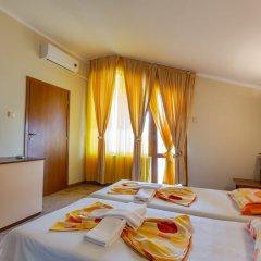 Апартаменты 1 Bedroom Apartment in Dafinka Guest House Равда в номере