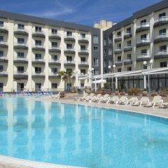 Topaz Hotel бассейн