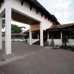 Отель Club Hotel Dolphin Шри-Ланка, Вайккал - отзывы, цены и фото номеров - забронировать отель Club Hotel Dolphin онлайн парковка