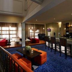Albert Court Village Hotel by Far East Hospitality гостиничный бар