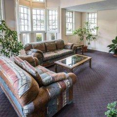 Отель Rodeway Inn And Suites On The River Чероки интерьер отеля