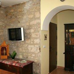 Отель Hostal Conde De La Encina Трухильо в номере