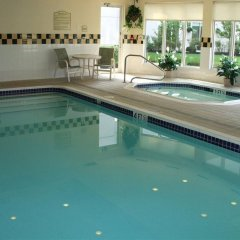 Отель Hilton Garden Inn Columbus Airport бассейн