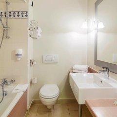 Отель Campanile Val de France 3* Стандартный номер с различными типами кроватей фото 8